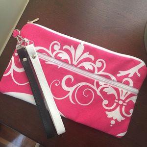 Handbags - New Boutique Accessory Bag🌿